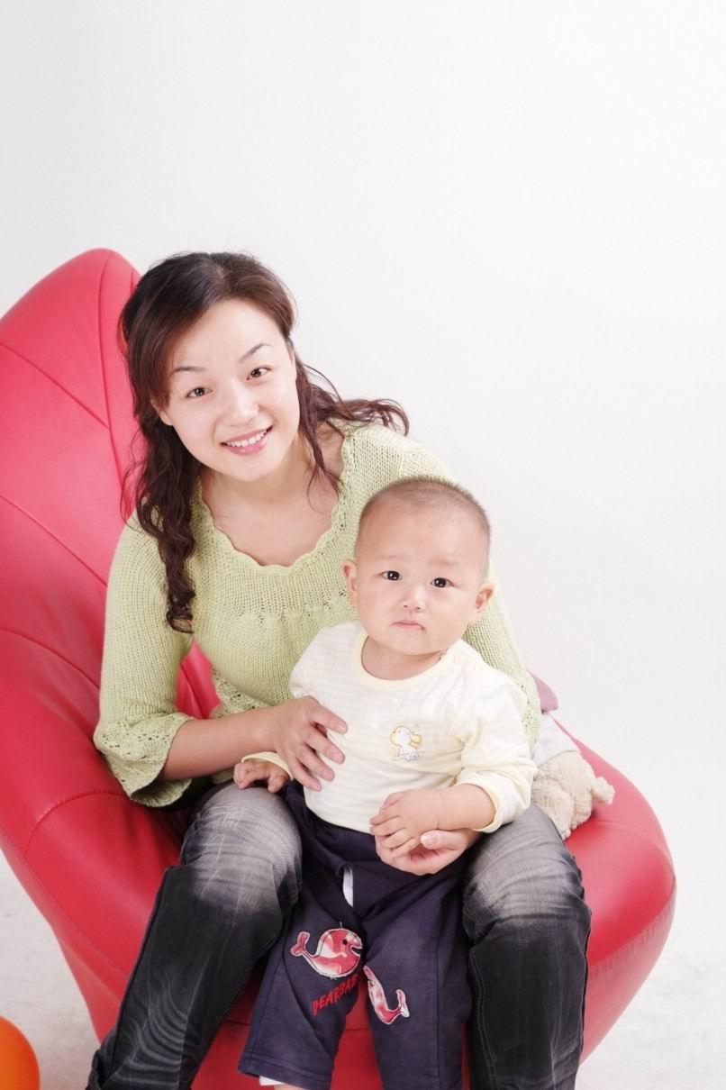 漂亮妈妈和可爱宝宝