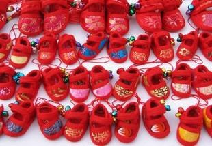 自家亲戚纯手工做的平安鞋 拿来晒晒 还有宝宝吉祥布鞋