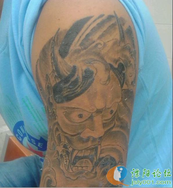 这纹身,看着都痛苦!图片