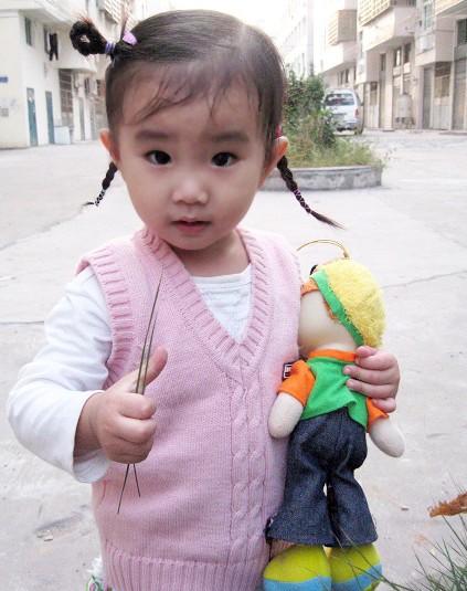 宝宝流行长发发型扎法(2); 婴儿桃形发型桃形发型桃尖发型男生; 2岁女