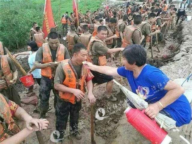 他们才是中国最可爱的人!中国人民解放军!