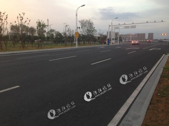 溧阳高铁站建接客停车场,让高铁站秩序焕然一新