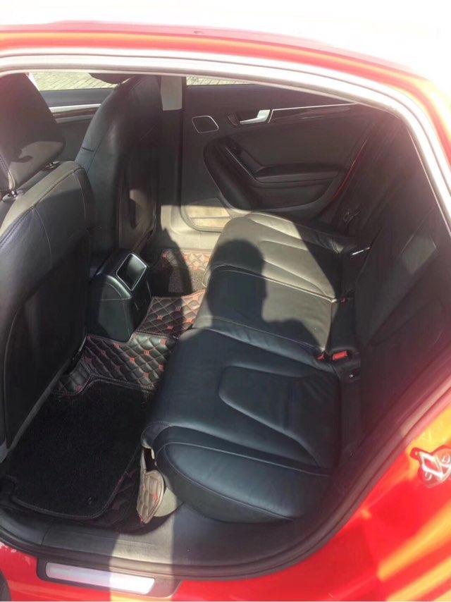 精品奥迪a4l2.0t自动天窗.座椅加热.电动座椅