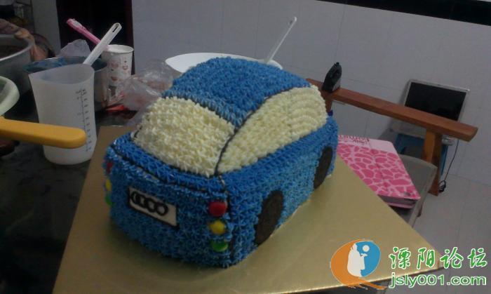 小汽车造型蛋糕