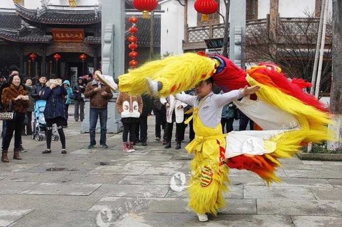溧阳南山竹海春节拍舞狮表演!