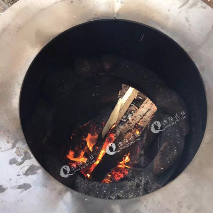 一起自制炉子烤山芋,一个大油桶